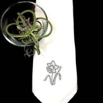 Set of 4 Floral Tulip Flowers Embroidered Cloth Napkins / embroidered napkins / tulip napkins / flower napkins / cloth napkins