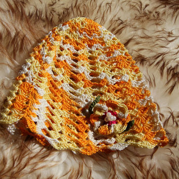 Hand crochet  baby Hat witch flowers .