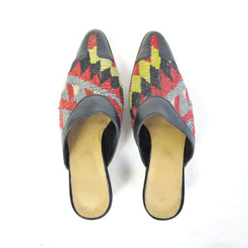Vintage Kilim Shoes Turkish Woven Tapestry Slides Boho Ethnic Slip On Leather Mules Backless Clogs Low Wood Heels Pointy Toe Flats (6.5)