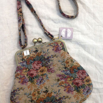 Floral bag with strap, Victorian Style Fabric, Floral Tapestry Fabric,  kiss lock bag ,kiss lock purse, vegan bag, canvas bag, floral bag