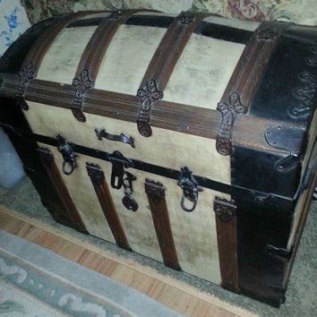 Large Steamer trunk original condition