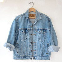 Vintage 80s LEVIS denim jean jacket // womens large