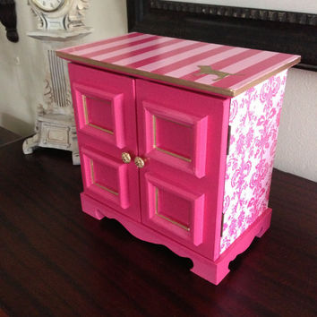 Vintage musical jewelry box upcycled in Victoria's Secret Pink Inspired Theme