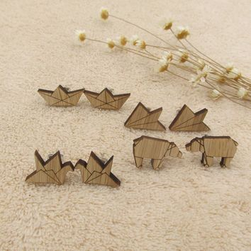 2018 Fashion Earrings Lovely Wood Origami Crane Stud Earrings for Women Fancy Boat Bear Paper Plane Earrings