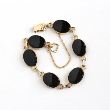 Vintage 12k Yellow Gold Filled Black Onyx Bracelet - Retro 1950s Oval Black Chalcedony Gem Panel Jewelry Signed WRE W. E. Richards Co
