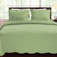 King size 100-percent Cotton Quilt Set with Scalloped Borders in Aloe Green