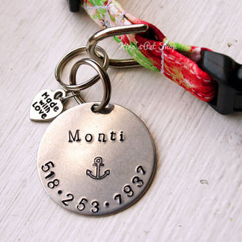 "Hand Stamped Dog Tag - 1.25"" Pet ID Tag - Cat ID Tag - Handmade Pet Accessories - 1.25 inch Aluminum Circle Pet Tag Arrows Anchor Pawprint"