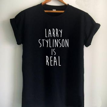Larry Stylinson Is Real T-Shirts - Women's Crew Neck Top Tees