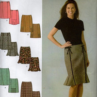 Simplicity Sewing Pattern Vintage Style Skirt Kick Pleat Business Casual Knee Length Flared Hem Paneled Skirt Uncut FF Plus SIze
