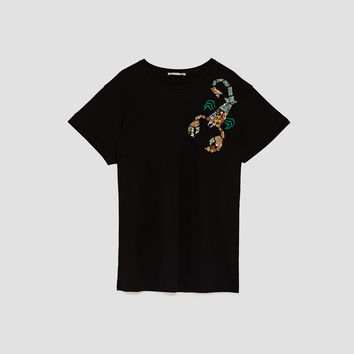 EMBROIDERED HOROSCOPE T-SHIRT DETAILS