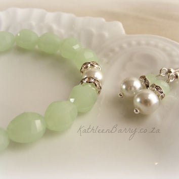 R95 Bridesmaid gift Earrings with crystal and Rhinestone detail - Pistachio mint and pearl