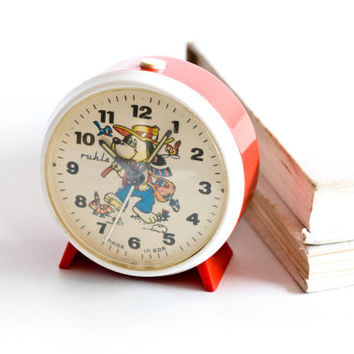 Childrens Alarm Clock, GDR Desk Clock, Ruhla German Clock, White and Red, Vintage Clock, Home Decor, ohtteam