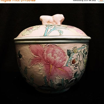 5 DAY SALE (Ends Soon) 1970s Macau Chinese Jar (Pottery)