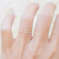 Infinity Ring  Silver delicate chain ring with a by JulJewelry