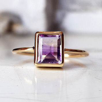 Solid 9K yellow gold handmade ring - gold artistic certified jewelry - unique baguette cut purple natural amethyst - resizing for free