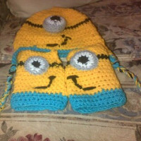 one eye minion hat and fingerless glove set