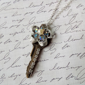 Vintage Key Necklace, Rhinestone Necklace, Vintage Inspired Jewelry, Flower Pearl Necklace, Rustic Jewelry, Shabby Chic Jewelry