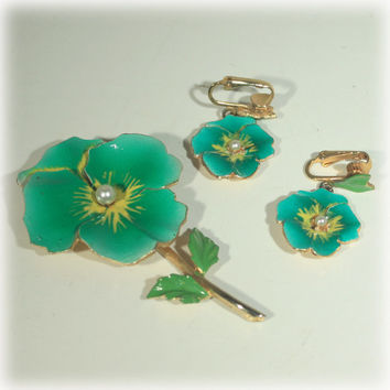 Green Flower Brooch, Earrings Set, Pansy Earrings Pin, Green Earrings, Pearl, Gold Green