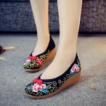 Summer flower embroidery casual shoes women pumps female Chinese wedge heels platform shoes Oxford shoes for women zapatillas