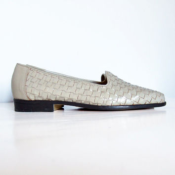 Vintage sz 5.5 Off White Leather Loafers Casual Woven Flats Summer Shoes Minimalist Brazil Neutral
