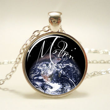 Mother Earth Necklace, Gaia Pendant, Goddess Jewelry (1490S1IN)