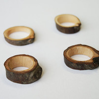 Twig ring // Oak wood, wooden ring, 17 - 19,5 mm, US size 7 - 9.5 , small, knot statement
