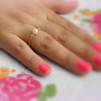 Gold chain ring, chain ring, bridesmaid ring, tiny pearl ring, dainty ring, gold ring, any size -146