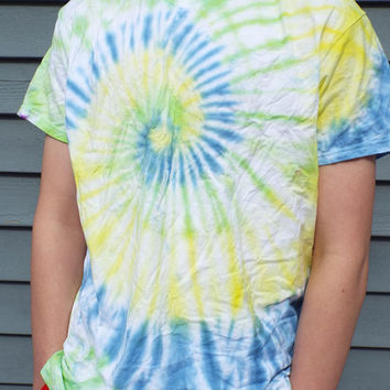 Vneck Tie Dye Shirt, Adult Large Tie Dye TShirt in Blue Green and Yellow, V-neck Tie Dye, Hippie Retro Shirt, Summer Shirt, Vneck Tee