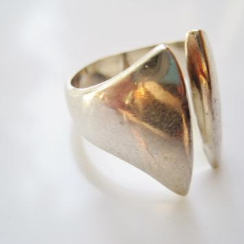 Modernist Mexican Silver Ring with Open Face Size 8