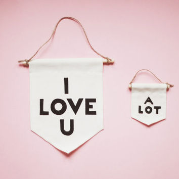 Set of 2 Wall Banners I LOVE U and A LOT, Minimalist Hangers