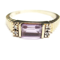 10K Yellow Gold Amethyst and Diamond Ring Size 6