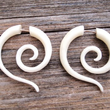 Fake Gauge Earrings White Bone Tribal Spiral Earrings - Gauges Plugs Bone Horn - FG014 B ALL