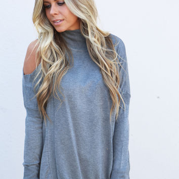 Give 'Em The Cold Shoulder Knit {Gray}
