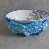 Crochet Soup Bowl Cozy in light blue/white