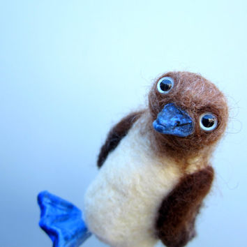 Blue footed booby, bird sculpture, marine bird, fiber sculpture, needle felted bird, blue feet