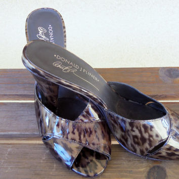 Donald J Pliner Feigel Brown Leopard Peep Toe Fashion Slip on Heels ~Sandals Size 7M