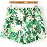 Green Pockets Leaves Print Shorts
