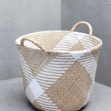 Rush basket with handles - DECORATION - WOMAN | Stradivarius United Kingdom
