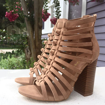 Knotty Roots Bootie in Camel