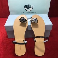 Chiara ferragni  Summer round pinch slippers