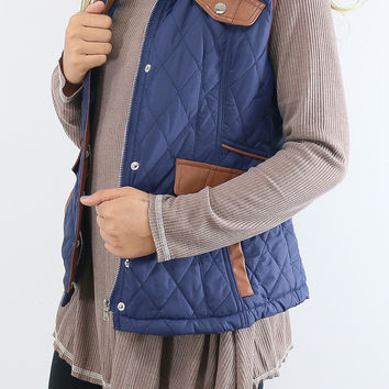 Cabin Fever Navy Puffer Vest With Contrast Trim