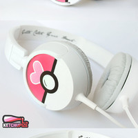 Love Ball Poke-phones Headphones earphones heart white pink hand painted girly Valentine's Day