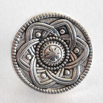 One 15mm antique silver decorative ornate round shank button, C7111