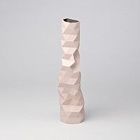 Faceture vases in nude pink