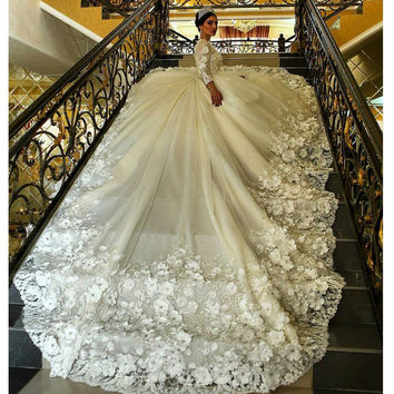 Long Sleeve Muslim Wedding Dress Flowers Appliqued Beaded Ball gown Wedding Dress