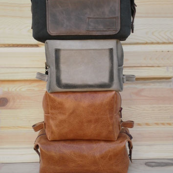 Waxed canvas Toiletry Bag, leather  Dopp kit , Personalized shaving bag, mens toiletry & Travel bag, makeup, waxed canvas bag, hairdresser