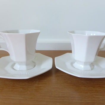 Six Independence Ironstone Castleton pattern cups and saucers