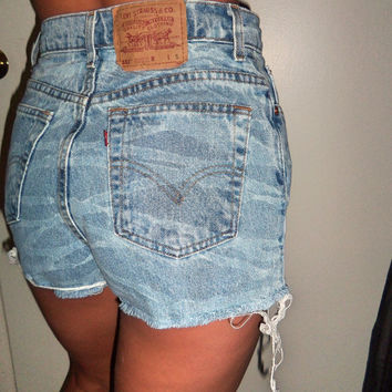 High Waisted Levi Jean Shorts
