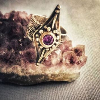 Medieval Wide Band Sterling Silver Shield Ring with Amethyst, Size 8