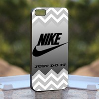 Gray Chevron Nike Just Doit, Print on Hard Cover iPhone 5 Black Case